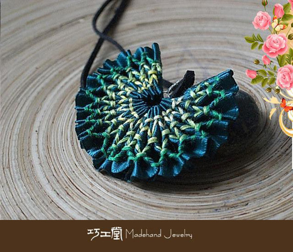 纯手工刺绣民族风项链—彼岸花