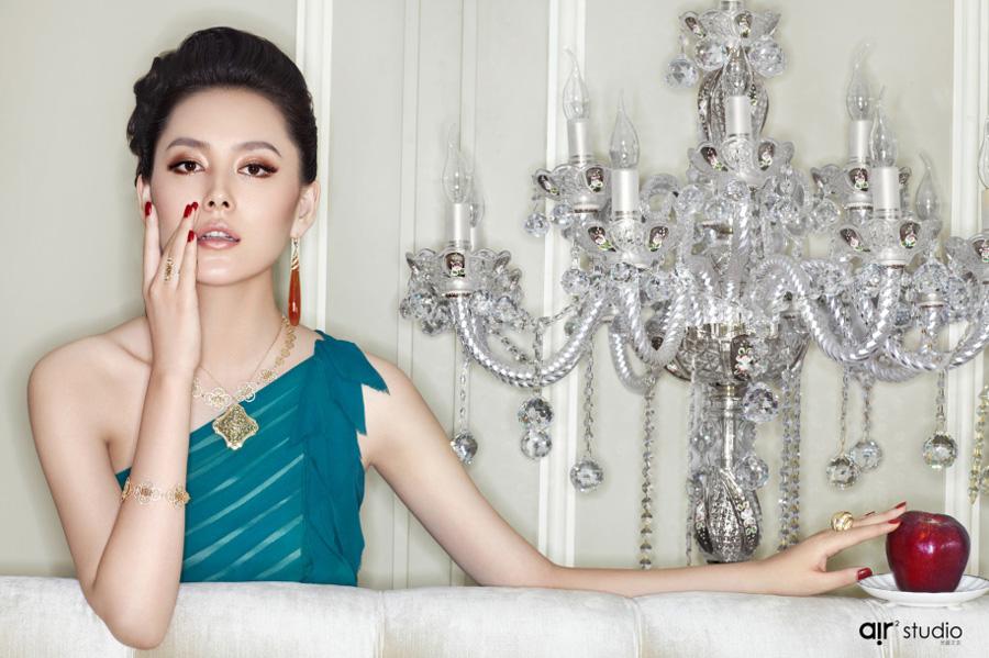 时尚芭莎美丽保鲜 珠宝彩妆大片赏图片