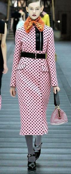 复古过膝裙风靡 1940年代灵感回归