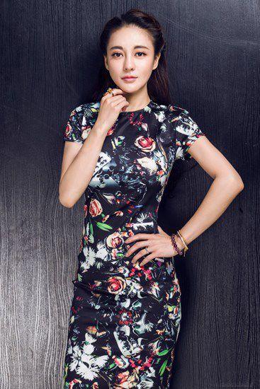 樊蕊_樊蕊旧上海风情写真曝光 穿旗袍演绎传统美