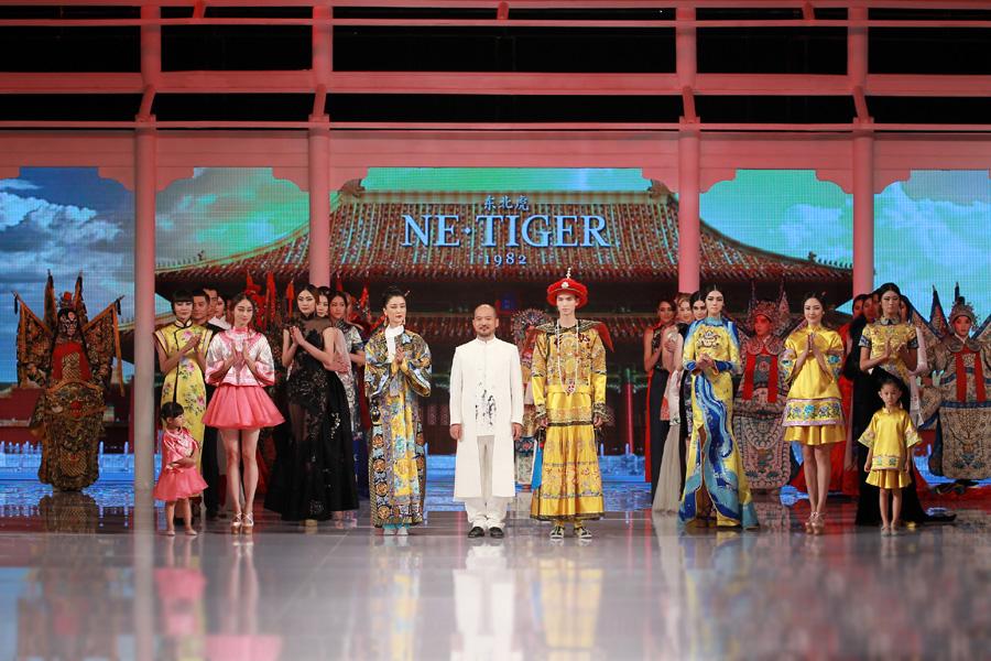 """NE·TIGER2016""""清·旗袍""""高定发布会 秀场上演清宫大戏"""