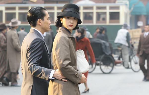 旧上海时尚 旗袍搭配帽子