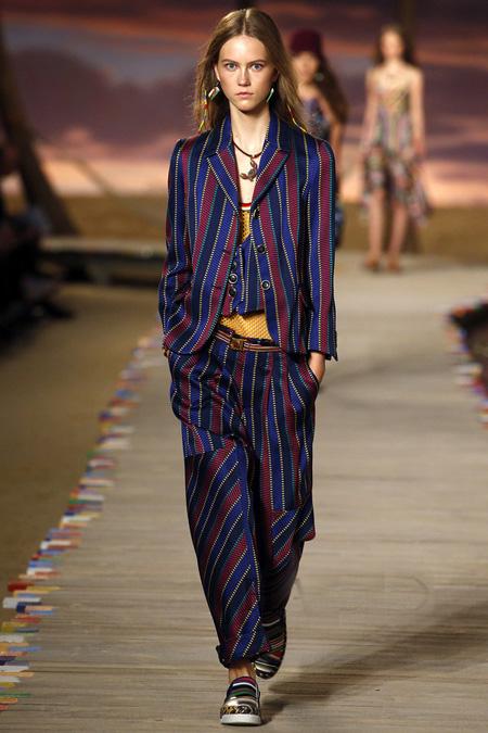2016最新流行趋势  条纹旗袍又时尚又复古