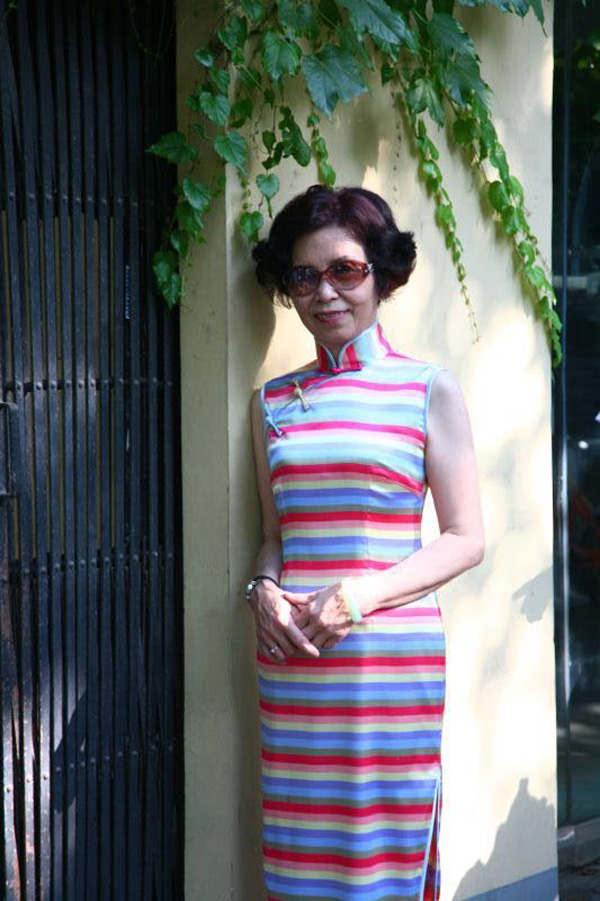 汪薇玉一袭旗袍优雅上海滩 听她首次分享旗袍搭配的秘密