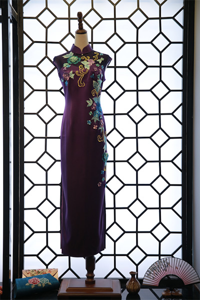 花园格格旗袍