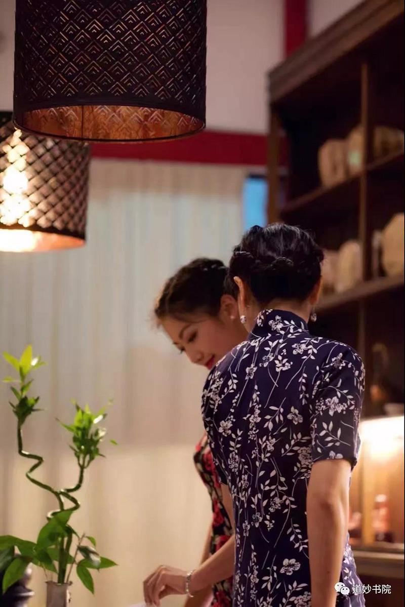 徐李颖:我的旗袍网友们