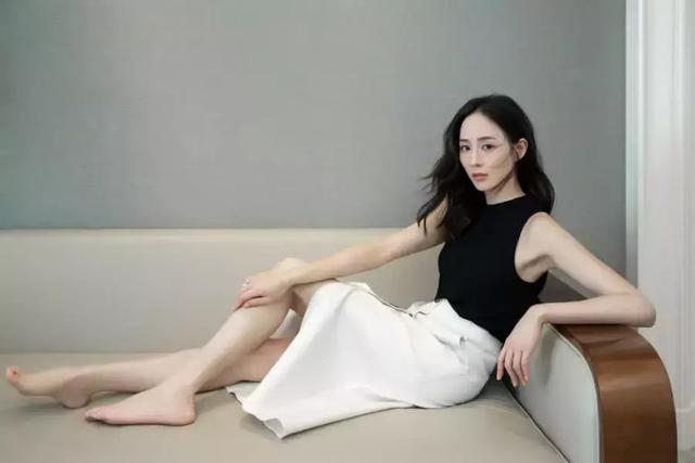 张钧甯白色旗袍带来不一样的名媛范儿