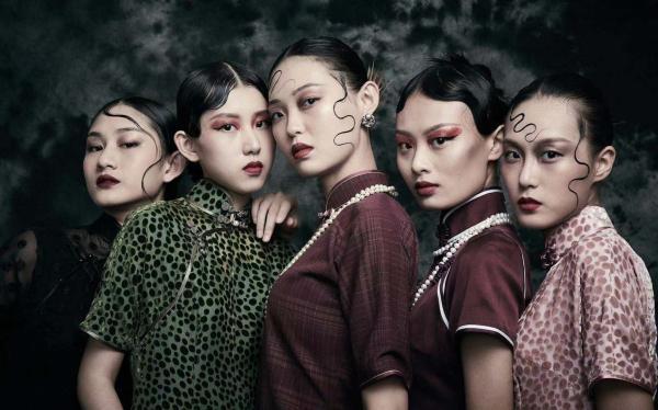 红馆旗袍RED PALACE发布2020春夏系列——穿,探索针法之诗意魅力