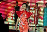 青岛时装周旗袍秀惊艳 再现东方古典美