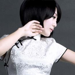 娘子写最新夏款时尚旗袍:中国娃娃