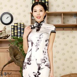 逸福时尚旗袍 展现水墨中国风