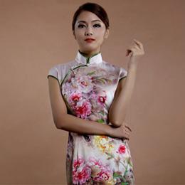 逸福牡丹旗袍 尽显华丽时尚