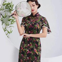 真丝旗袍,一种贵重又带矜持且大气的女性美服