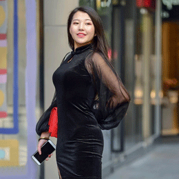 美女穿黑色旗袍搭配高跟鞋, 成熟美与微胖美…