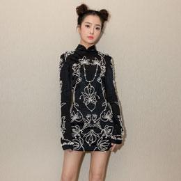 种丹妮国风旗袍搭配哪吒发型俏皮可爱